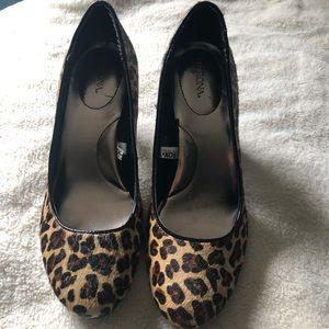 Merona leopard print heels. W10 3 inch heels.